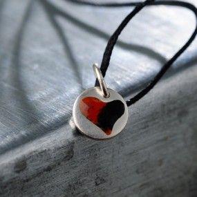 Charm-heart-orange-black-pendant