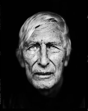 Tomi Ungerer (1931) - French illustrator (H.C. Andersen Medal in 1998 for his contribution as a children's illustrator) and writer in 3 languages. Photo byStephan Vanfleteren