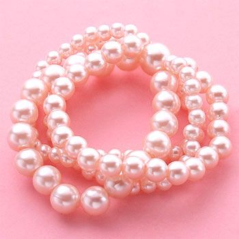 I know they're accessories, but you can base an entire outfit off of pink pearls!