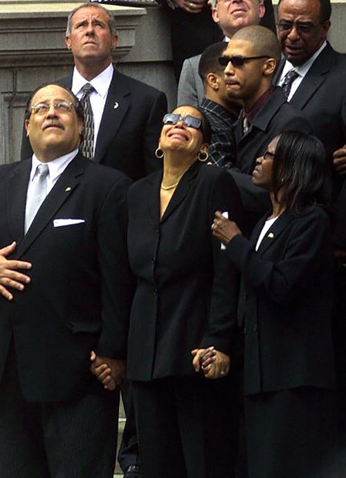 Aaliyah's funeral in 2001