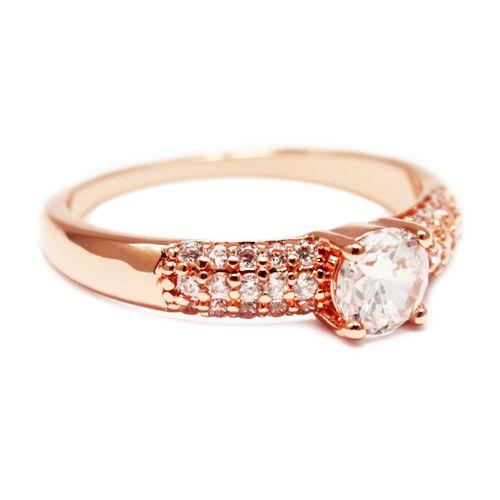 Anello in oro rosa I. Disponible en tallas internacionales: 6, 7, 8 y 9.