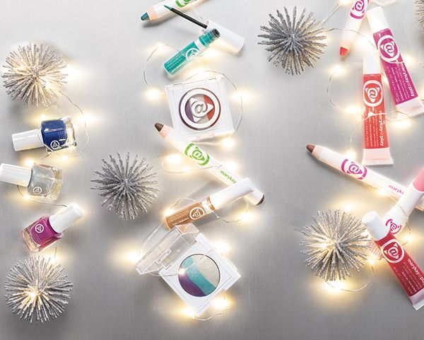 Light up her holiday with crazy-fun Mary Kay At Play shades.