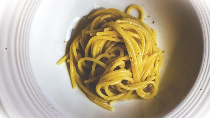 Pasta with garlic olive oil and chili recipe, best pasta recipes, Italian food