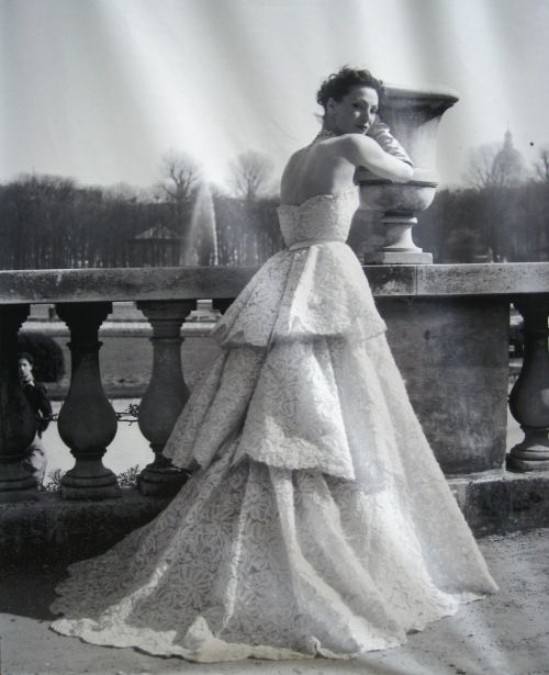 Dior couture, late 1940s.