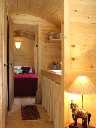 533 best images about dans la roulotte le bus le bateau on pinterest. Black Bedroom Furniture Sets. Home Design Ideas