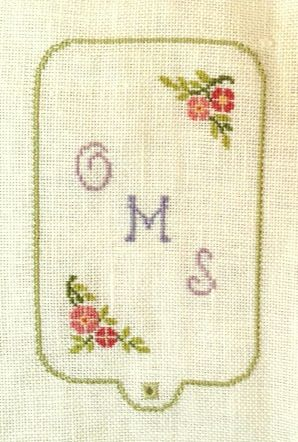 I'm still patiently laying down bricks on Amy Mitten's Not for Us Alone. But during the weekend I decided to break the monotony, and used the daylight stitching time to give Brightneedle's Lady's C...