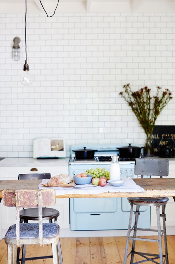VINTAGE HOUSE DAYLESFORD IN AUSTRALIA   THE STYLE FILES