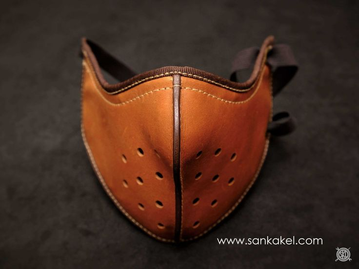 Masque moto en cuir SANKAKEL leather mask / www.sankakel.com/