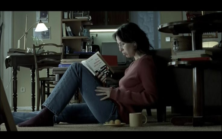 Lola (Ariadna Gil) in 'Soldados de Salamina' (2003, D. Trueba)
