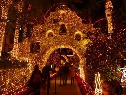 The Mission Inn at Christmas (Riverside, California): California Travel, California Homes, Travel Blog, California Dreaming, California Landmarks, California Historic Hotel, California Historical, Beautiful California