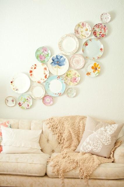 love this creative wall art using plates