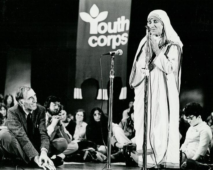 1975: Jean Vanier and Mother Teresa in Canada... #tbt