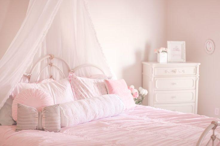 1000 Ideas About Romantic Bedroom Colors On Pinterest