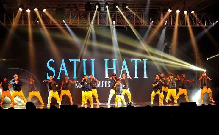 Sheraton Surabaya Hotel & Tower: UNICEF-Check Out for Children 2012, the performance of Satu Hati is about revolves around the struggle of one's life to change for the better and more useful for the people, so that the impossible becomes I.M POSSIBLE.