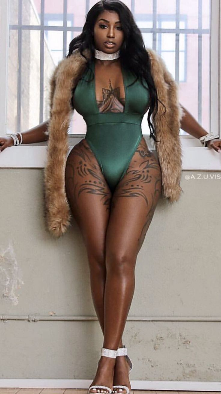 Pin By Curtis Holloway On Curvy  Black Beauties -1372