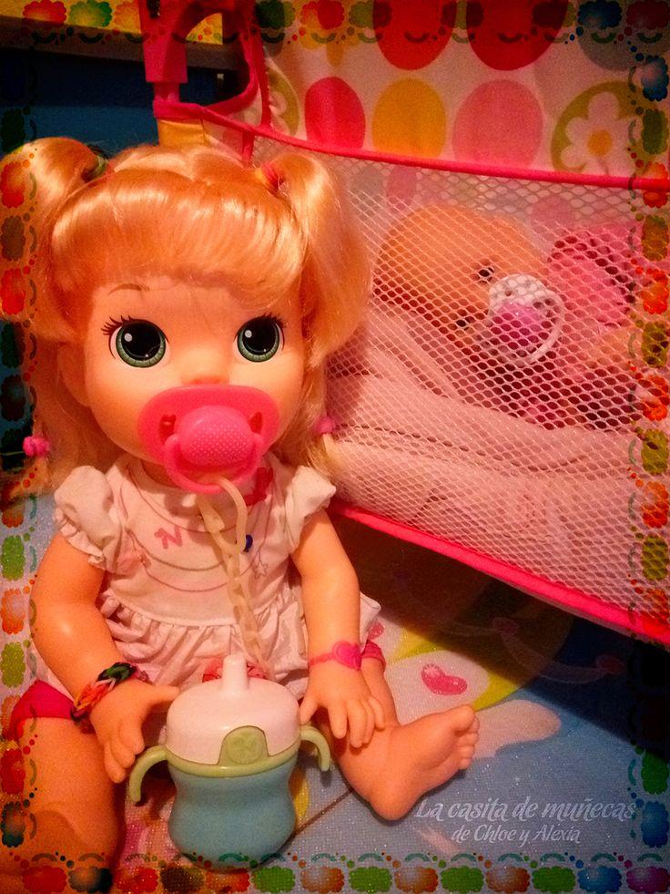 Sara y su hermanita. (Baby Alive Snackin' Sara o Sara comiditas divertidas y Mi pequeño Nenuco blandito)
