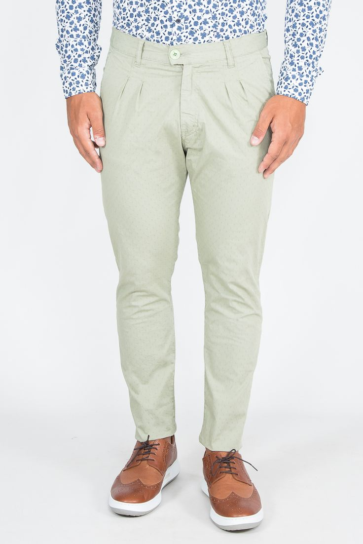 Slim Fit Chinos In Pleated Design
