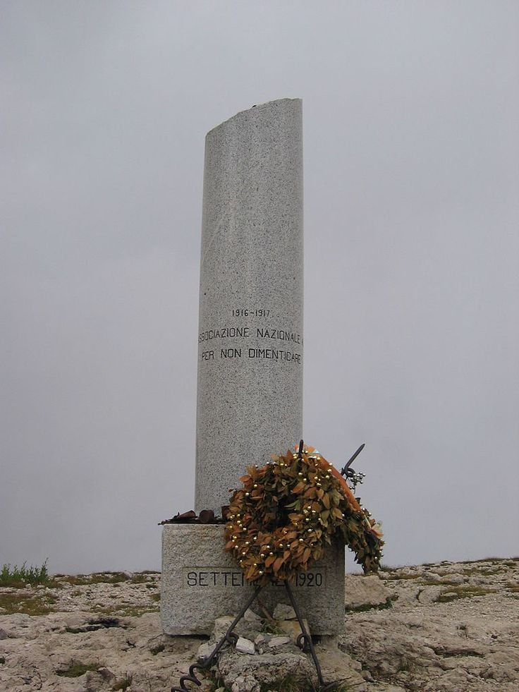 La Colonna mozza del Monte Ortigara è uno dei monumenti che ricordano la Grande Guerra