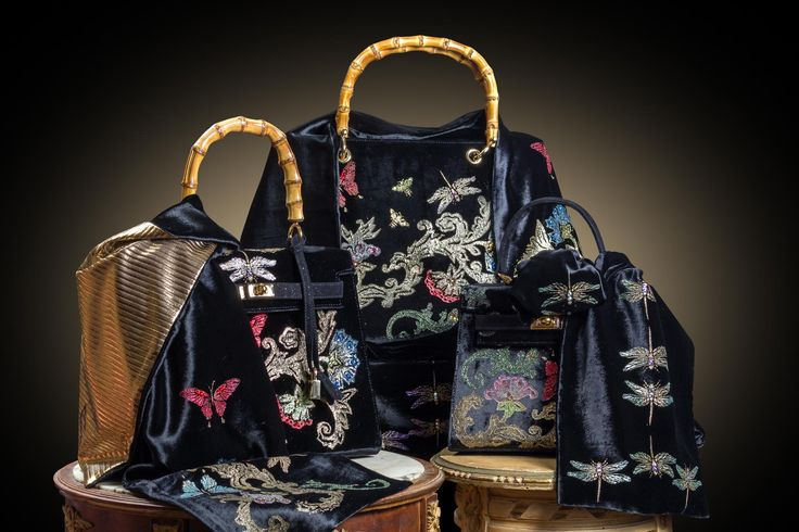 Cross-bodies and tote style bags are all hand crafted and hand printed to give a touch of colour and shine to your autumn days and nights.