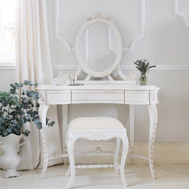 We're ready for the week ahead after beautifying at our French Dressing Table this morning - are you all set? Let's go! #frenchbedroomcompany #bedroomgoals #dressingtable #cornersofmyhome #aquietstyle #flashesofdelight #shabbychichome #whitehome #interiordesign #homedecor #behomefree #pursurepretty #vintagehome #mondaymorning #mondaymotivation