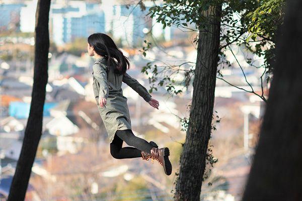 natsumi hayashi - the girl who loves to levitate