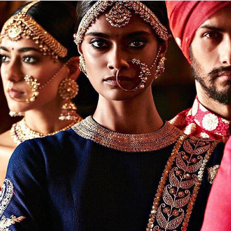 By Kishandas & Co. Shop for your wedding jewellery, with a personal shopper & stylist in India - Bridelan, visit our website www.bridelan.com #Bridelan  #weddinglehenga #Bridestobe #brides #Indian #ethnic #jewellery #indianjewellery