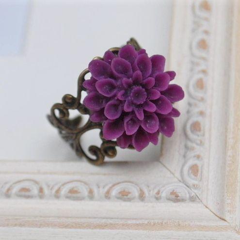 Chrysanthemum ring... £6.00
