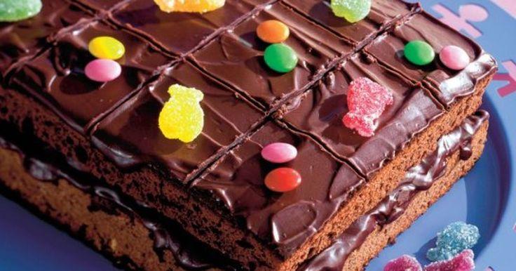 Pripravte si recept na Párty koláč s nami. Párty koláč patrí medzi najobľúbenejšie recepty. Zoznam tých najlepších receptov na online kuchárke RECEPTY.sk.