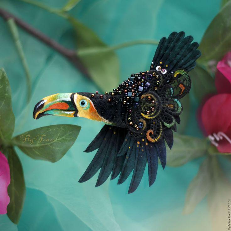 Купить брошь - Тукан радужный - салатовый, птица, птичка, пташка, миниатюра, маленькая брошь, на платье