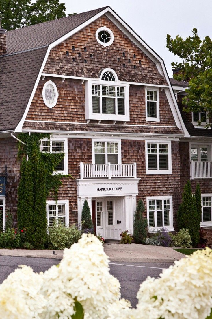 Harbour House is a charming wood-shingled inn, located in Niagra-on-the-Lake, ON. #Jetsetter