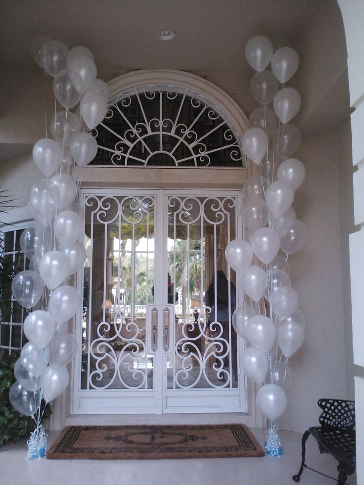 Tall helium balloon trees at The Boca Raton Racquet and Yacht Club  ( Diamond Clear & White )