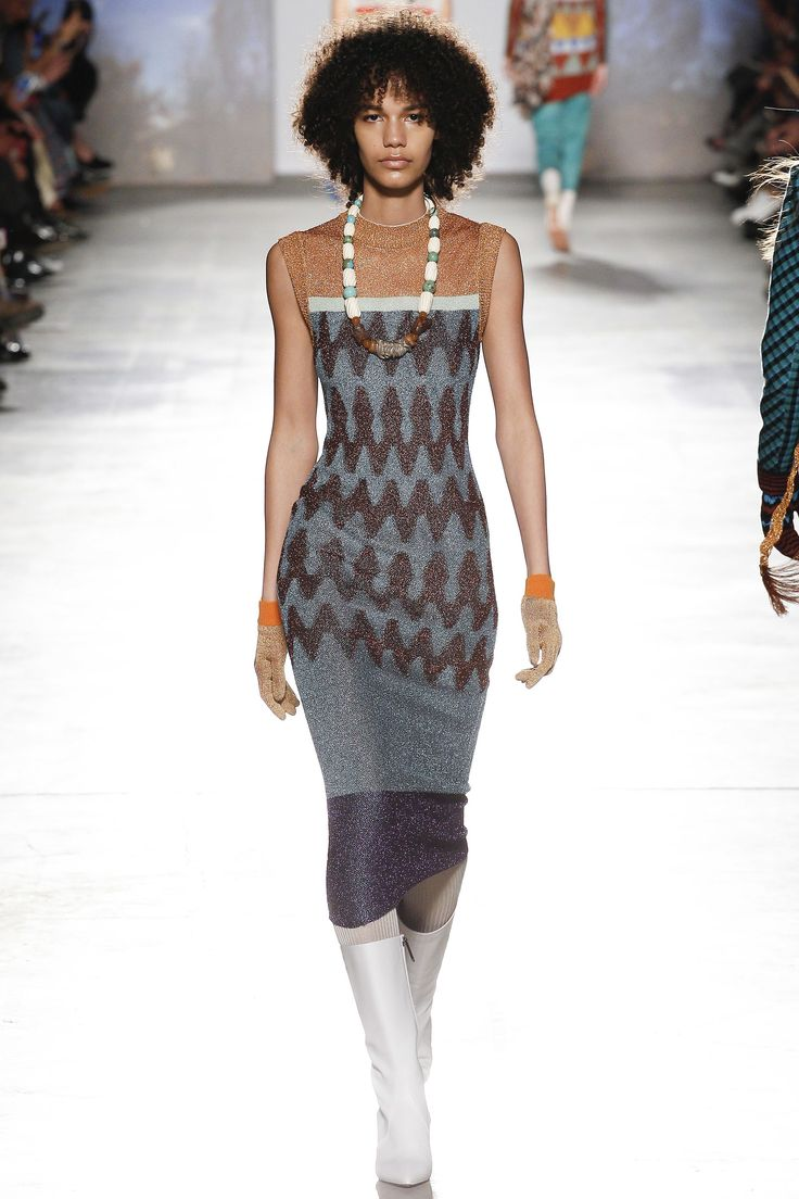 lurex knitwear- Missoni Fall 2017 Ready-to-Wear Collection Photos - Vogue