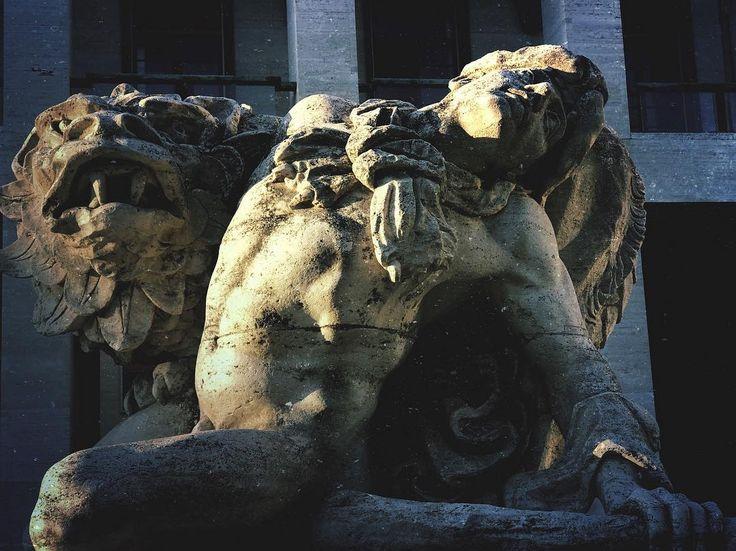 #rome #roma #eur #statueporn