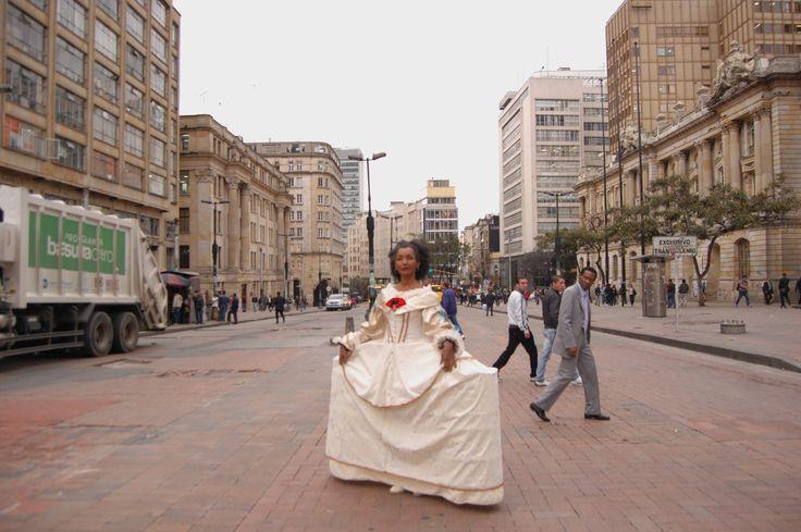 Performance Lenina Menina Fotografía Augusto Ardila 2014 https://www.flickr.com/photos/lenina-menina/12849566693/in/album-72157641683545485/