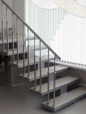 стълби от метал по поръчка ; метални стълби по поръчка ;