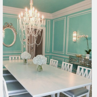 Tiffany Blue Dining Room   Wouldnu0027t It Be Adorable To Have Photos From  Breakfast At Tiffanyu0027s On The Walls As Well?