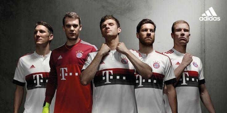 Áo bóng đá Bayern Munich trong mùa giải 2015-2016 mang màu sắc đỏ tương tự với áo của mùa 2014/2015 nhưng không có sọc xanh dương.