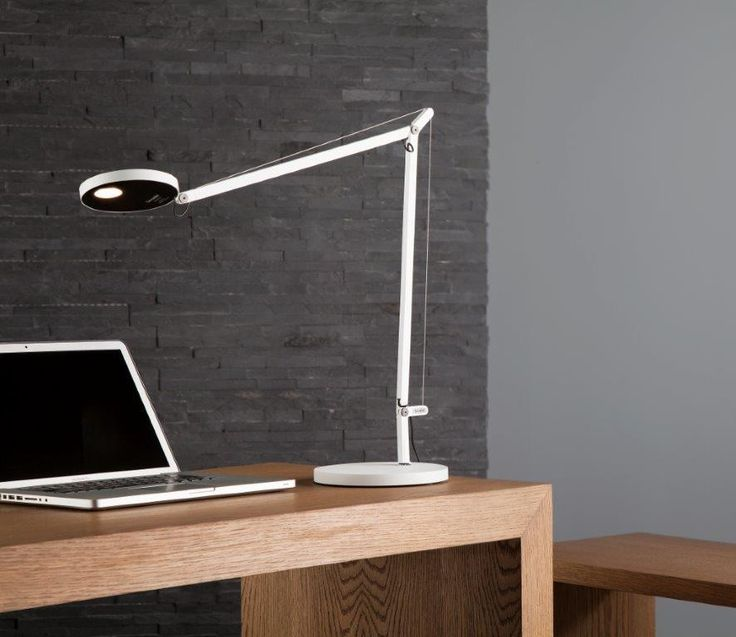 Want to work at PC with elegance and efficiency? Demeter of #Artemide table offers an advanced solution.
