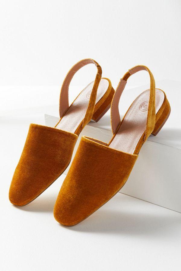 c1c6da20d22b2 UO Dana Velvet Slingback Mule in 2019 | W E A R | Shoes, Fashion, Velvet