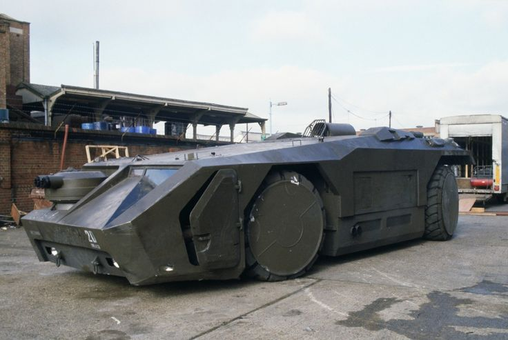 Aliens (1986) | The APC (armored personnel carrier) was built upon the chassis of a Hunslet ATT 77 Aircraft Towing Tractor.