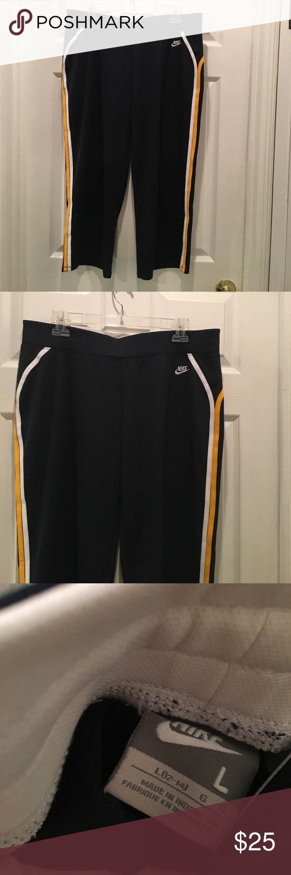 Navy Nike Capris Size L Drawstring inside - new without tags Nike Pants Capris