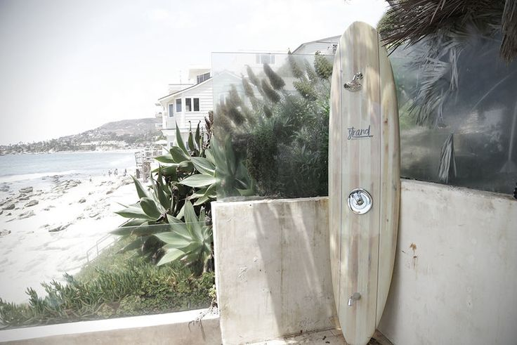 Outdoor Surfboard Showers - The Strand Pier Surfboard Shower is Both Stylish and Functional (GALLERY)