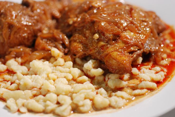 Hungarian Chicken Paprikash with Dumplings (Csirke-Paprikas