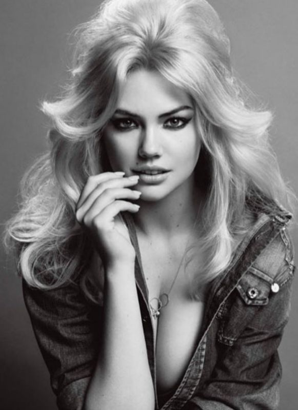 Kate Upton- Model I love her because she isn't a perfect size zero and is still a stunning model.