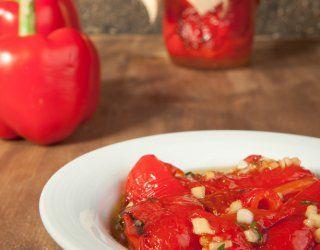 Scopri come conservare nel modo migliore i peperoni in agrodolce grazie ai consigli di cucina di DonnaD.