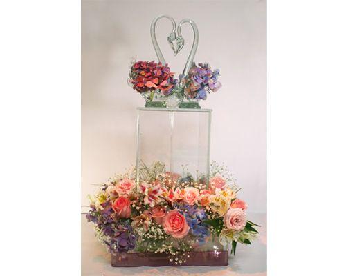 Cisne de formando un corazón  Bleu Glass Fountains / centros de mesa para boda