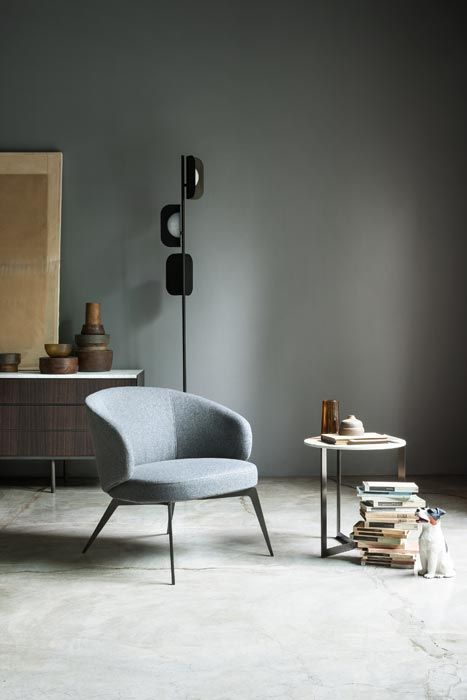 LEMA | The neat and refined design style, always between past and future, that has roots in the art of Roberto Lazzeroni, defines BICE lounge chair. A passe-partout product, characterised by cosy shapes and vintage soul. Here showed with the SIGN coffee table designed by Studio Kairos.