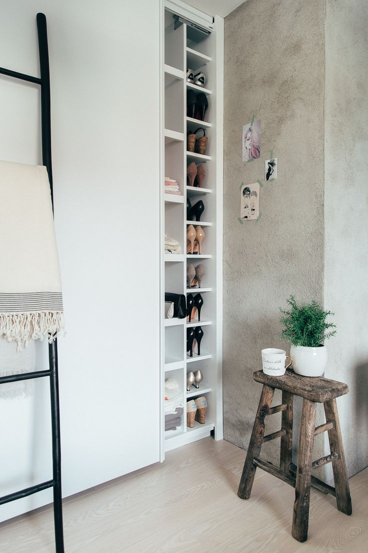 Practical closet for shoes and clothes