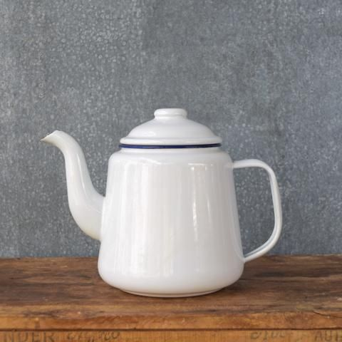 Falcon enamel tea pot 1.25 litre