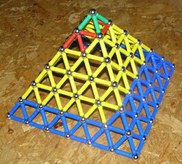 pyramida.jpg (600×539)